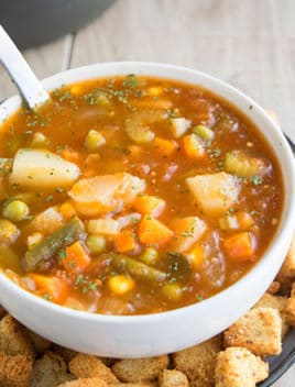 Easy Homemade Vegetable Soup Recipe (One Pot)