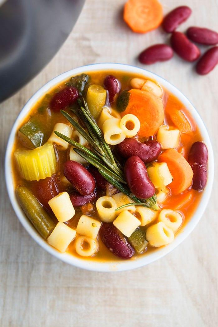 Easy Pasta Fagioli Soup Recipe (30 Minute Meal)