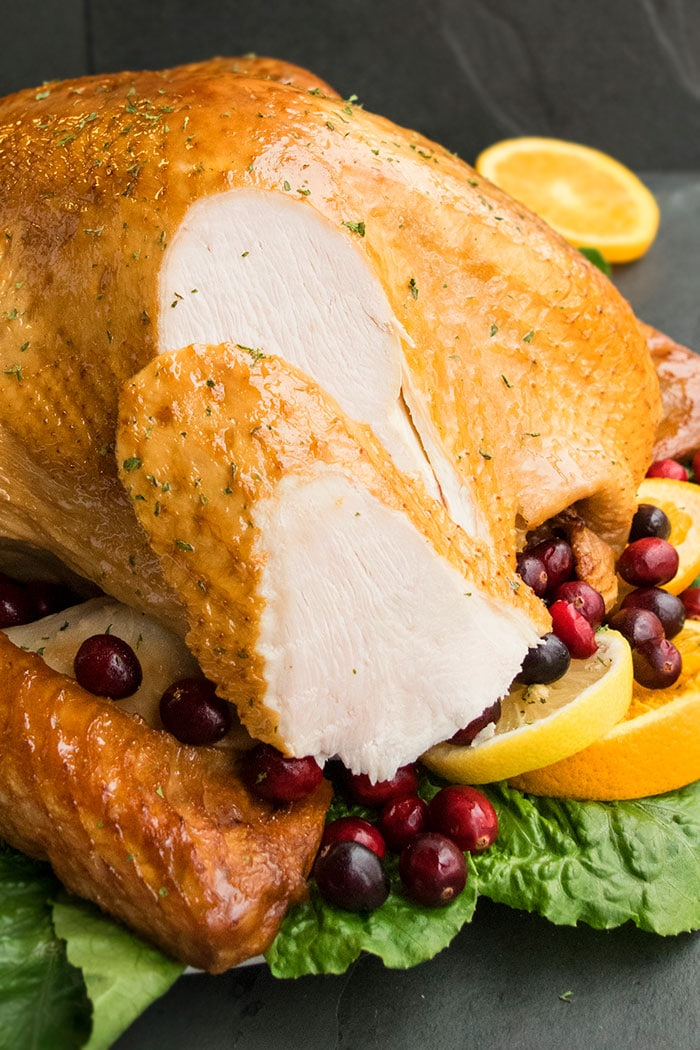 How to Cook a Turkey For Thanksgiving (One Pan Recipe)