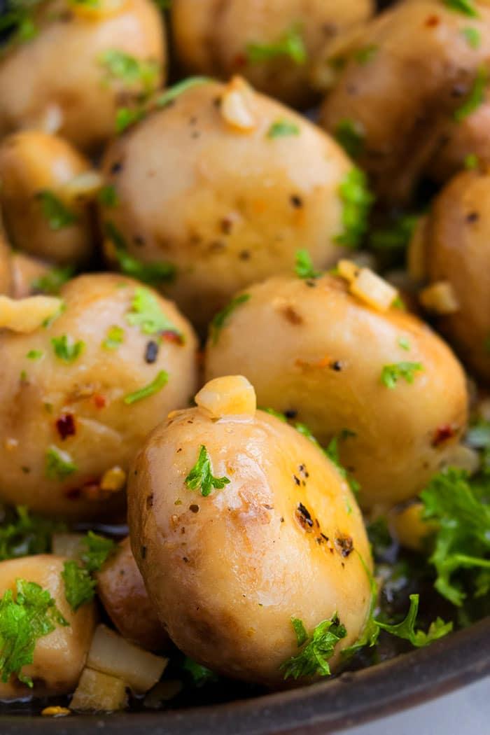 Sauteed Garlic Mushrooms (One Pot)