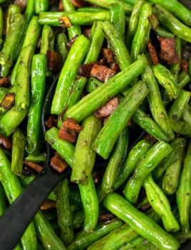 Green Beans With Bacon Recipe (One Pot Appetizer)