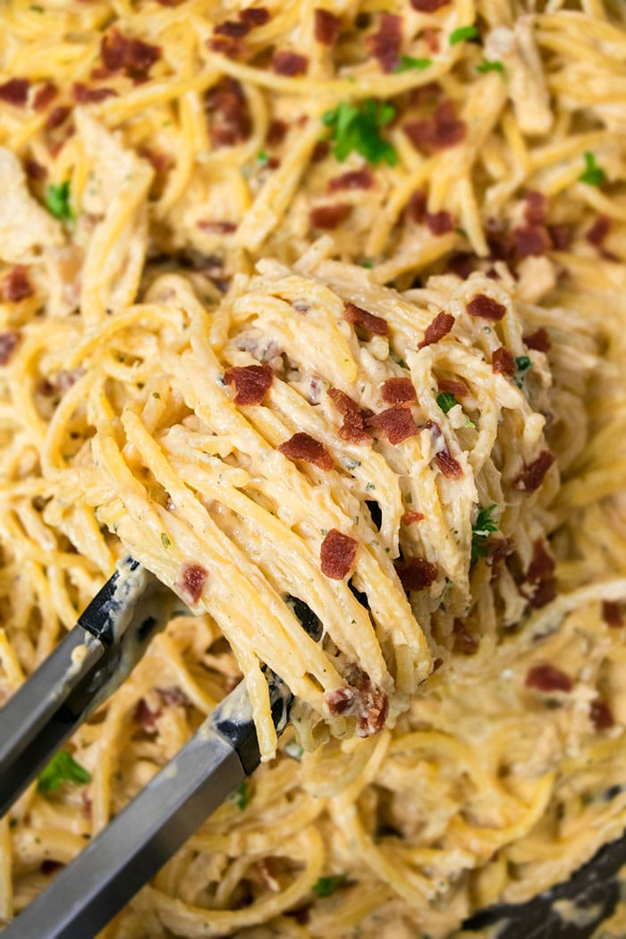 One Pot Chicken Bacon Ranch Pasta Recipe (30 Minute Meal)