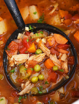 Easy Chicken Vegetable Soup (One Pot Meal)