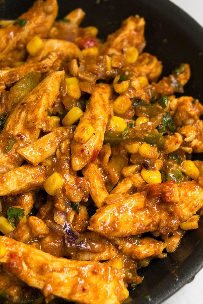 Easy Mexican Salsa Chicken Recipe (One Pot Meal)