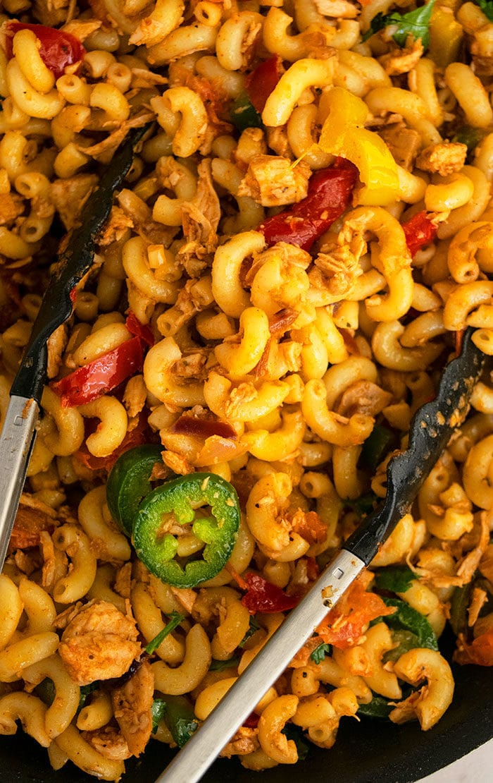 Easy Chicken Fajita Pasta (One Pot Meal)