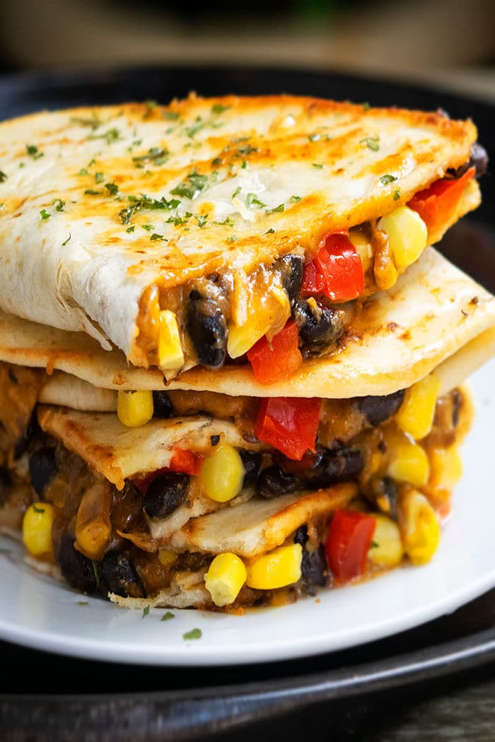 Easy Vegetarian Quesadilla Recipe (One Pan Meal)