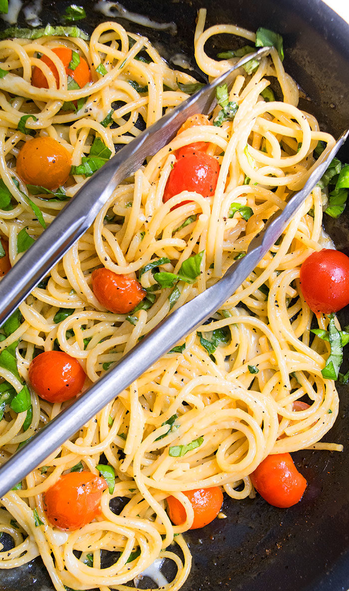 Easy Cherry Tomato and Basil Pasta