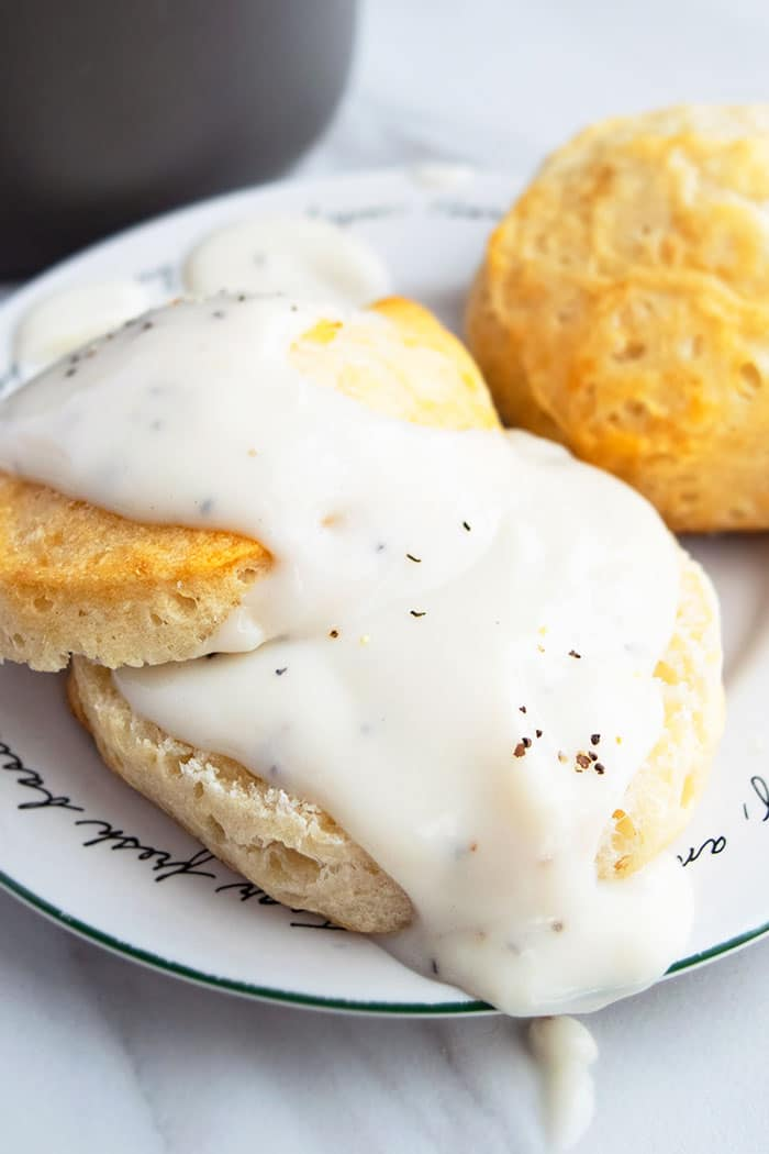 Vegetarian White Country Gravy and Biscuits