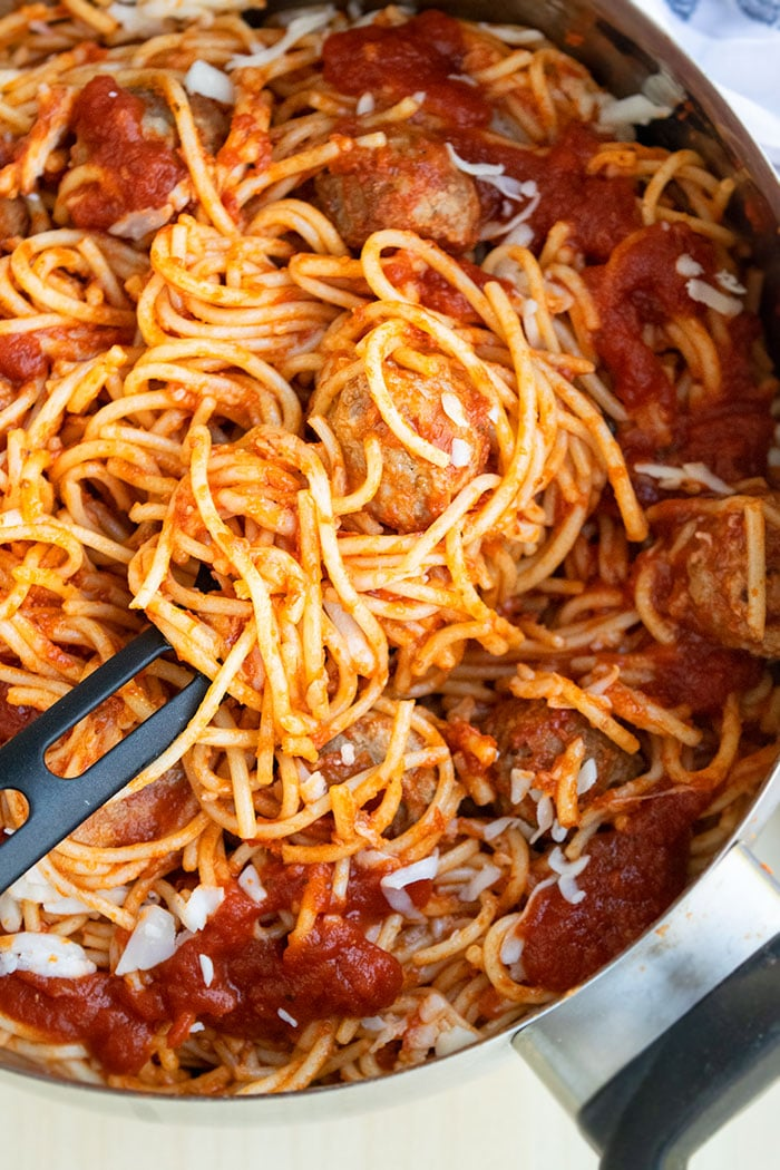 Easy Spaghetti and Meatballs in Large Pot